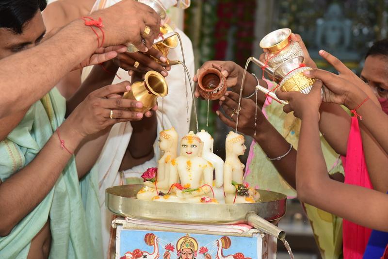 god bath bhagwan snan